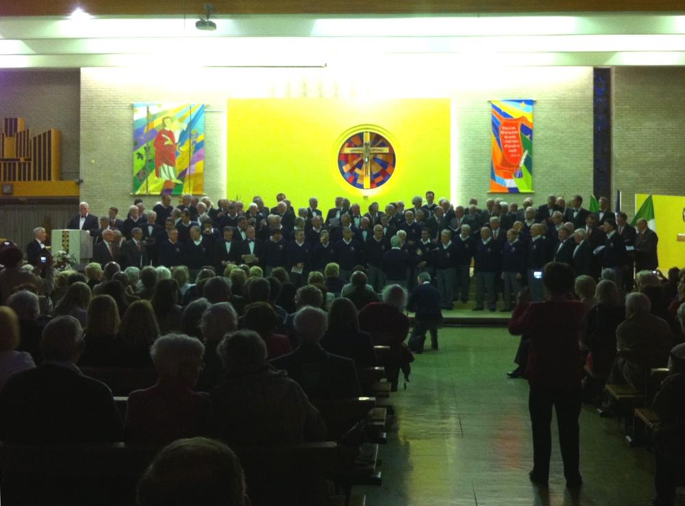 coro al Gala con gli altri cori_small