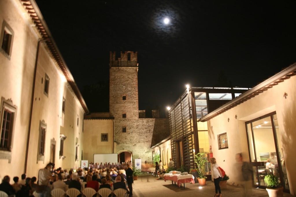 Castello dell'Acciaiolo interno (foto P.Mazzoni)